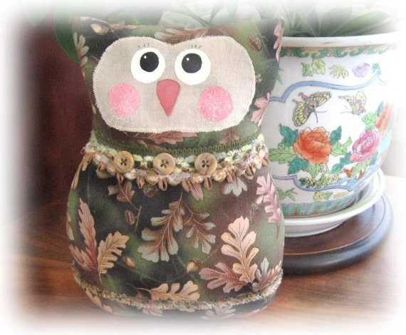 Woodland OWL Pillow Owl Doll 9 inch Soft Sculpture Doll Primitive Handmade CharlotteStyle Decorative Folk Art