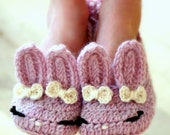 Children's Crochet Pattern The Classic Year-Round Bunny Slipper- Big Kid's shoe Sizes 10 - 2 - Pattern number 215 Instant Download  kc550
