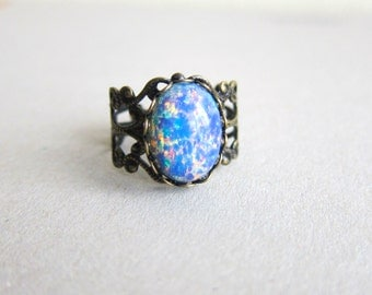 Opal Ring Fire Opal Blue Pink Ombre Ring Friendship Ring Gift Vintage Style Fantasy Whimsical Magic Fairy Tale Elf Ring Goth Pewter Rustic