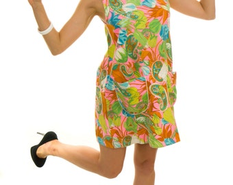 Vintage 1960s Dress /  60s Barkcloth Dress / 1960s vintage Paisley Beach Dress