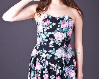 SALE 50% OFF 80s Vintage Strapless Floral Mini Dress in Black