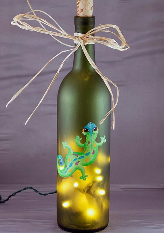 Lighted wine bottle green gecko recycled wine bottle lamp for Light up wine bottles