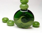Kiwi Simple bead set with focal and 5 spacers - dark green emerald swirly lampwork art glass - GBUK SRA FHFteam
