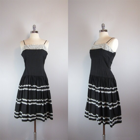 vintage 1950s dress / vintage dress / sun dress / black / lace trim / ruffled skirt / tiered / Que Sera Sera Dress