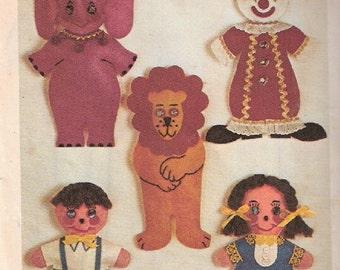 1970s Retro Finger Puppets Simplicity Sewing Pattern Circus Friends Clown Lion Elephant Boy Girl Uncut Vintage Toy