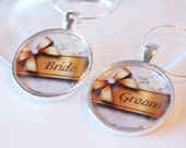 Wedding Wine Charms, Bride Groom, silver plate, gold bow, Wine Charms, table setting, barware, Wedding Shower, Bridal Shower (2092)
