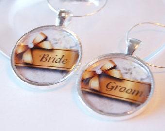 Wedding Wine Charms, Bride Groom, silver plate, gold bow, Wine Charms, table setting, barware, Wedding Shower, Bridal Shower (2092)