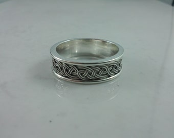 Celtic Triple Knot Band