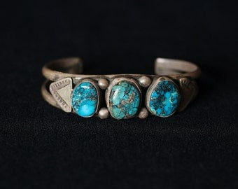 Beautiful Vintage Navajo Sterling Silver Turquoise Cuff Bracelet