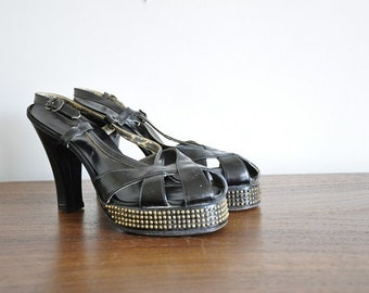 vintage 1940s shoes/ 40s pin up shoes/ bomshell heels