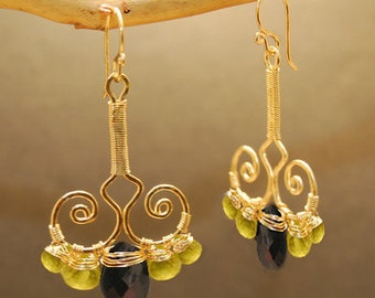 Hammered swirl drop earrings with peridot & black spinel Nouveau 65