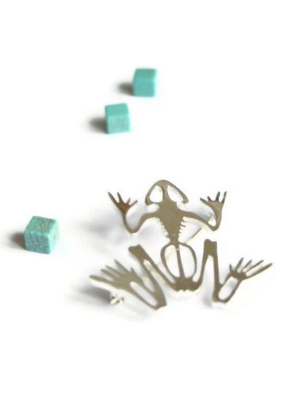 Frog skull brooch sterling silver, polished finish