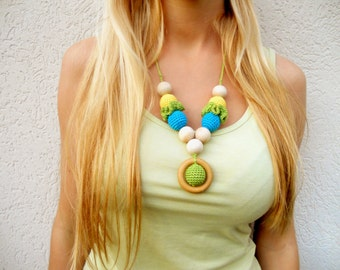 Crochet Nursing Necklace with a wooden ring Teething Necklace Breastfeeding jewelry Shower gift