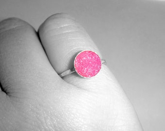 Sterling Silver Druzy Ring, Silver Drusy Ring, Size 6 Pink Druzy Ring, Sparkly Druzy Ring, Druzy Stacker Ring, Hammered Ring, Hot Pink