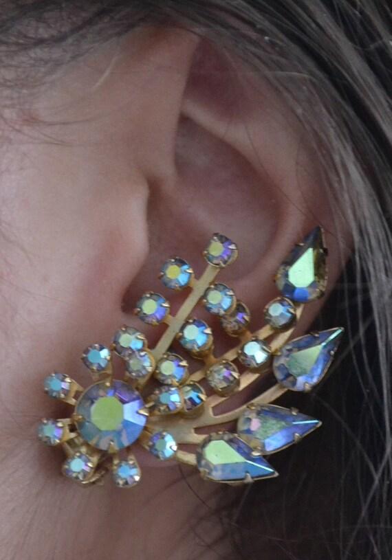 Vintage sparkly 1950's Antique Blue Aurora Earrings - Excellent Stones