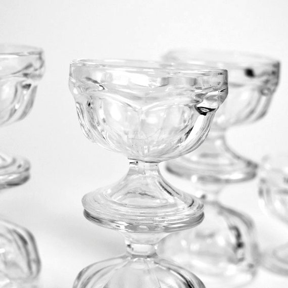 Federal Glass Dessert Bowls SET OF 8 - Ice Cream Sundae, Pudding, Sorbet, Jello - Perfect Vintage Kitchen Decor or Party Serving