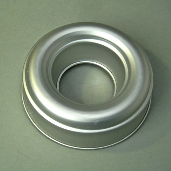 Vintage 1950s Mirro Aluminum Ice Ring Jello Mold Cake Pan 4