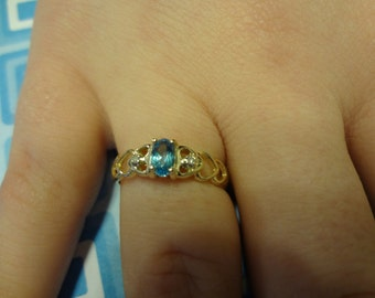 10k Blue Topaz & Diamond Ring Heart Design Hearts size 6 1/2 Baby Blue Pretty Something Blue Bride Wedding
