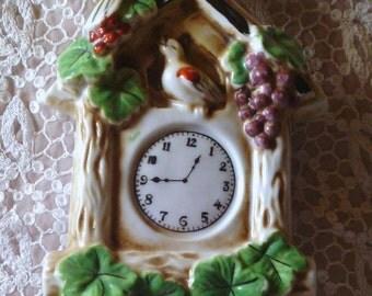 Vintage wall pocket bird coo coo clock  marked pat. no. 64211