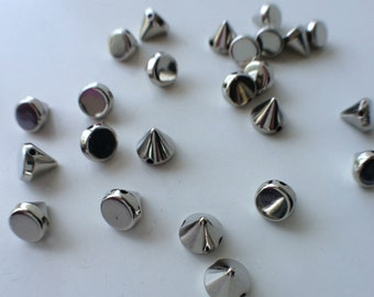 25 CCB Silver Acrylic Spikes Cones Beads Charms Pendants 6mm