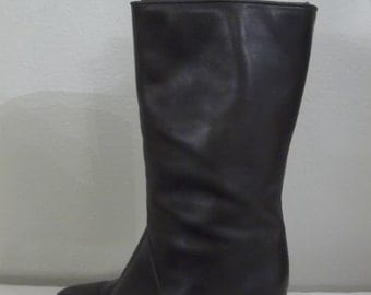 SALE -- Eaton 1980s Vintage Grey Leather Boots with Heel // Womens Size 6.5