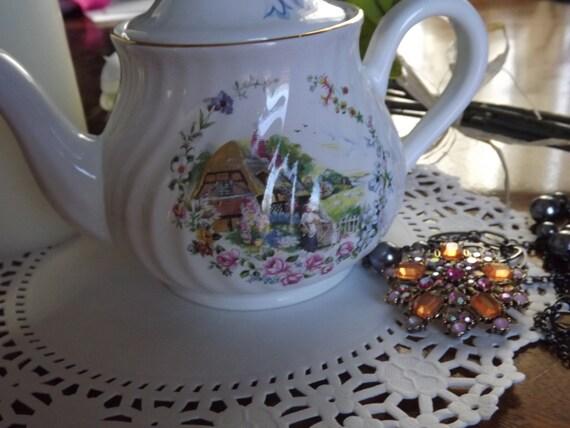 Vintage, Arthur Wood & Son teapot