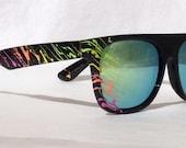 The Swayzee sunglasses in Black / Retro Rainbow