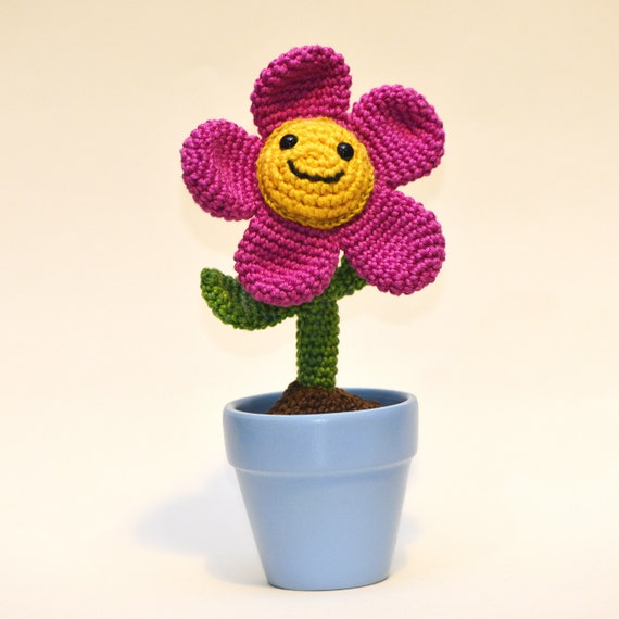 Crochet Amigurumi Flowers : Crochet potted flower amigurumi Tulip plant