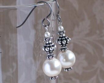 Ivory Pearl Earrings, Swarovski Creamrose Pearl Earrings, Fashion Jewelry, Gift Idea for Her, Hypoallergenic (Niobium) Earwires