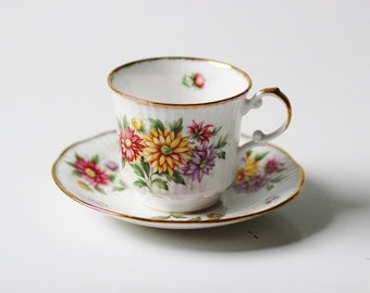 floral bouquet Rosina bone china England Queens cup & saucer set