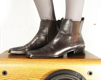 Vintage Chelsea Boots - VTG Minimal 90s Ankle Boots - Dark Chocolate Brown - Size 9.5 - Euro 41