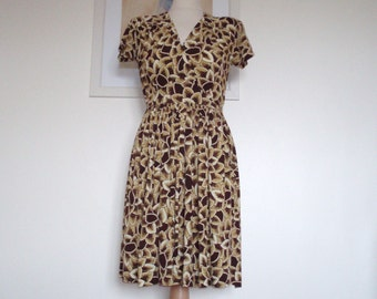 Vintage original 1940s floral print jersey tea//daydress UK 10 12 US 6 8