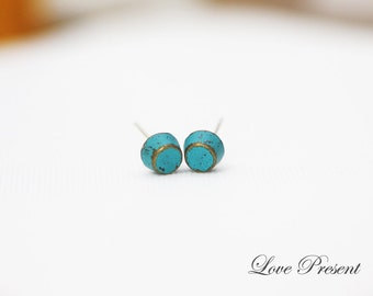 Rock N Roll and Punk Round Pyramid earrings stud style - Color Turquoise Teal Blue Patina Verdigris