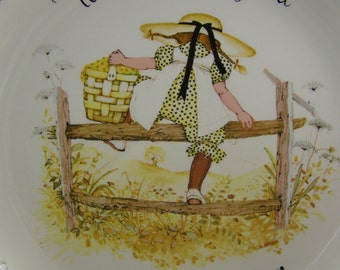 50% off clearance sale! vintage Holly Hobbie decorative plate, climbing the fence
