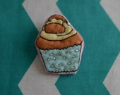 Beaded, quilted fairycake brooch