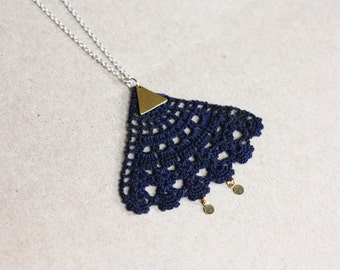 Pendant geometric necklace in blue lace with brass triangle
