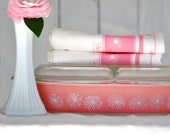 1 Pyrex Pink Daisy Divided Casserole Tea Towel, Hostess Gift, White Cotton -- Soft, Lint Free, Awesome.
