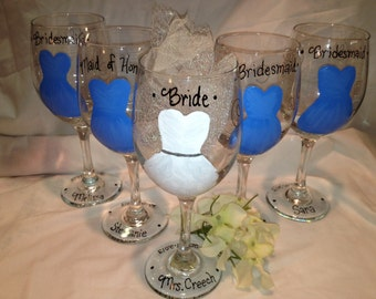 Wedding Glasses, Hand painted Bridal Party Glasses, Bridesmaid Glass, Maid of Honor, Party Favor, Wedding Party Gifts