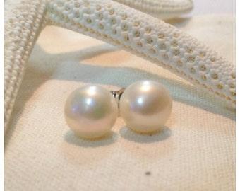 Sweetheart // White Freshwater Pearl Stud Earrings // Sterling Silver