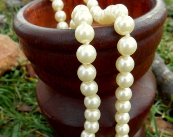 Vintage Yellow Pearl Necklace