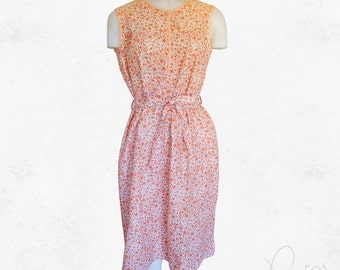 Vintage 1970s dress with a lovely floral print