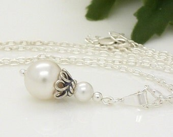 White pearl necklace, simple pearl pendant, pearl bridal necklace, sterling silver, vintage style wedding jewellery