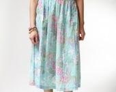 vintage 1970s skirt / 70s floral skirt / Kiley Midi Floral Skirt