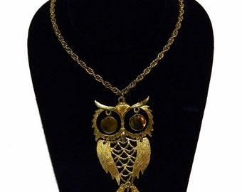 Vintage 1970s Articulated Owl Pendant Necklace