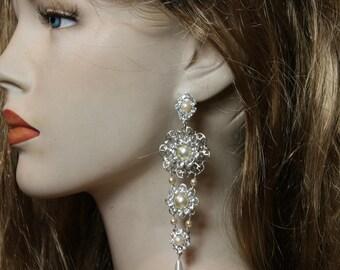 Bridal Earrings Exquisite Chandelier Bride Deluxe Earrings Wedding Earrings Ivory Pearls Rhinestone,Swarovski Crystal Victorian Earrings
