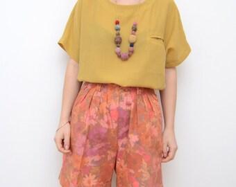 Vintage high waisted floral bermuda women shorts / watercolor pastel pink orange