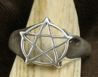 Pentacle ring, Pentagram ring, pentacle handfasting ring, Solid Sterling silver, size 6 to 13.