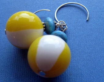 Lucite earrings, beach ball earrings, Mom birthday gift, Mom gift, Summer earrings, Summer birthday, vintage bead earrings, vintage lucite