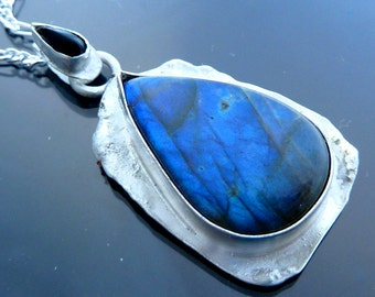 Big Dragon Tears Necklace Pendant Neon Blue Labradorite tear Black Onyx teardrop in sterling silver
