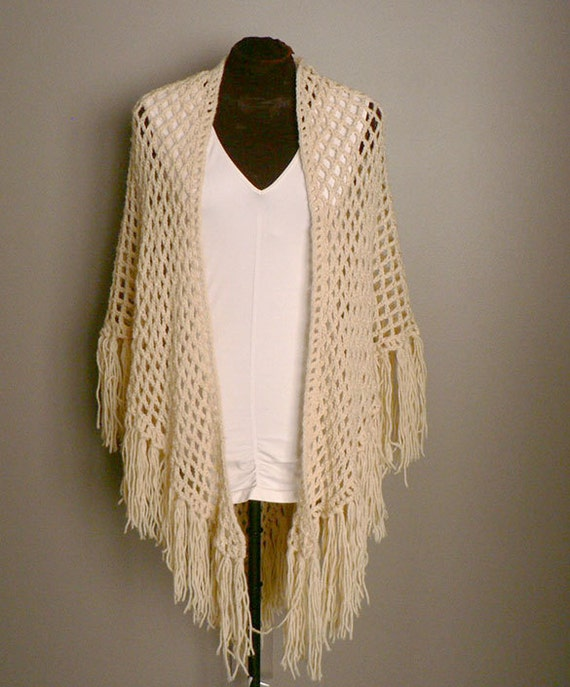 Crochet Pattern For Bohemian Shawl : Vintage Ivory Bohemian Crochet Shawl by Etsplace on Etsy